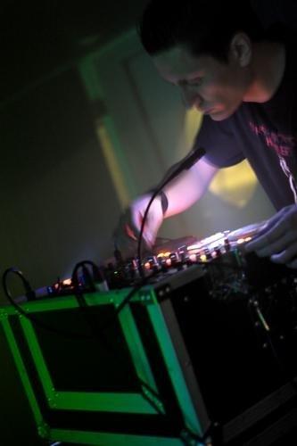 DJ Shades @ Syn/\psi